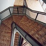 3―4階への階段
